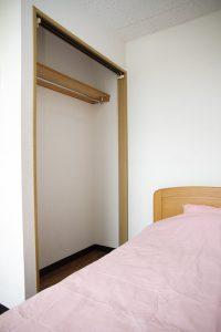 ベッド、クロークイメージ